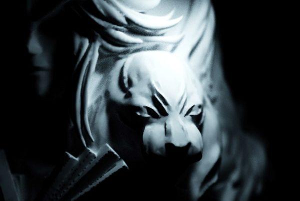 lynx black forest sculpture art